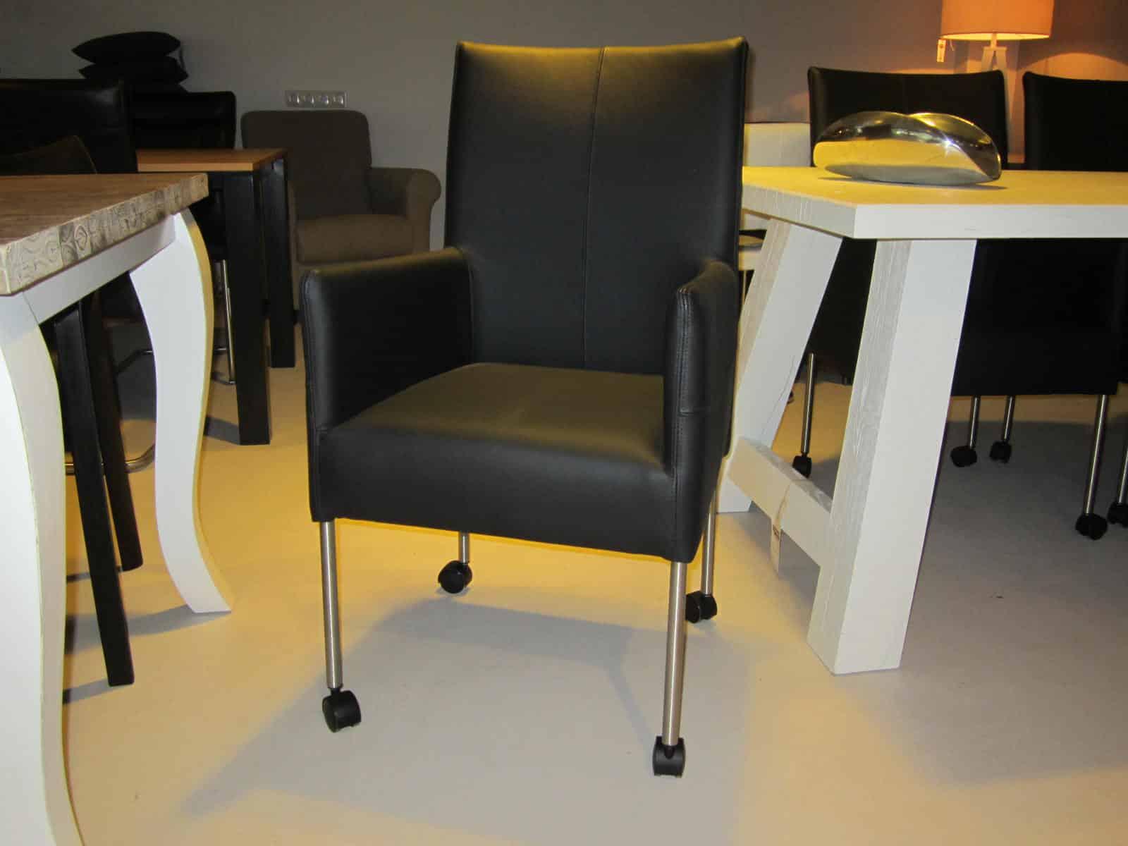 erstaunlich esszimmerst hle mit rollen bild erindzain. Black Bedroom Furniture Sets. Home Design Ideas